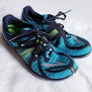 Brooks pure connect 2 runing shoes size 9.5 Medium